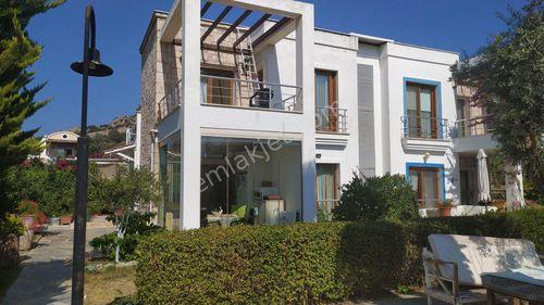 Bodrum Gökçebel'de Butik Sitede Havuzlu Net 100 m2 3+1 Villa