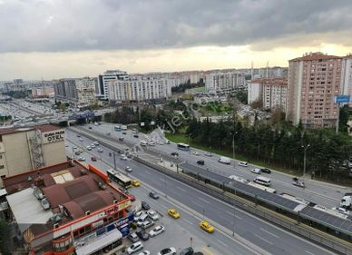 AKROS İSTANBUL'DA SIFIR 1+1 LÜKS KİRALIK DAİRE
