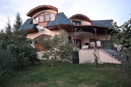 Büyükçavuşlu Merkezinde 2.070 m2 Müstakil Arsada Satılık Ev
