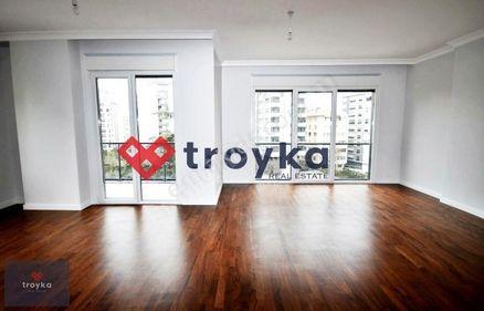 TROYKA'DAN SATILIK SUADİYE'DE BALKONLU 3+1 120m2 NET DAİRE