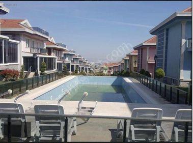 İstanbul Silivri Cumhuriyet Royal City Sitesi'de 5+2 3 kat Villa