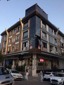 Cadde Uzeri Yeni Binada, Kapali Otoparklı, Bakımlı Genis 3+1