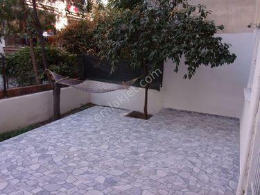 Karşıyaka belediyenin karşısında temiz bakımlı giriş kat daire