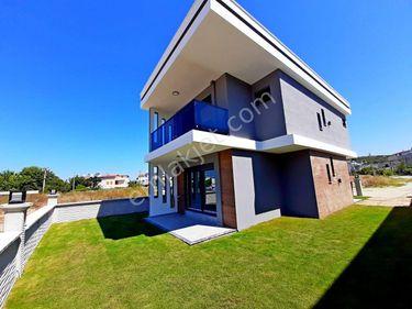 Kuşadası Soğucakta Tek Müstakil 3 Oda 1 Salon 135 m2 Villa