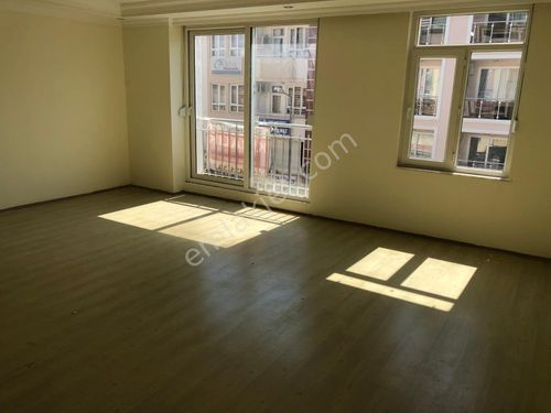 çarşı merkezde 2.kat temiz Daire&ofis