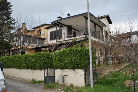Silivri Parkköy'de 320 m2 Arsa İçinde Kiralık Villa