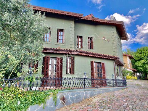 Sarıyer Zekeriyaköy Sitede Satılık Müstakil Villa