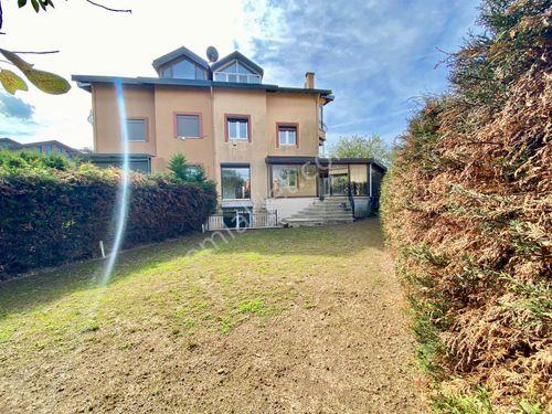 Sarıyer Zekeriyaköy Güvenlikli Sitede Satılık Villa