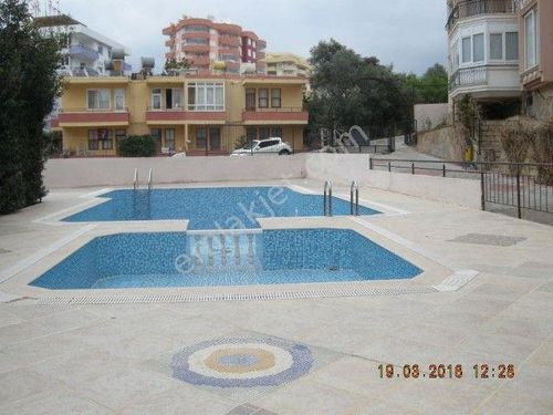Alanya Tosmur da Denize Yakın Havuzlu Site de 1+1 eşyalı Satılık