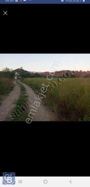 E.Yavşıda 2728 m2 Köy merkezinde Tarla