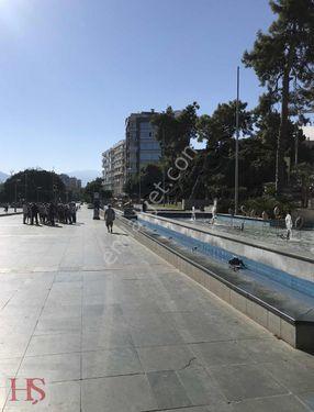 Cumhuriyet Meydanı Deniz Manzaralı Satılık Daire
