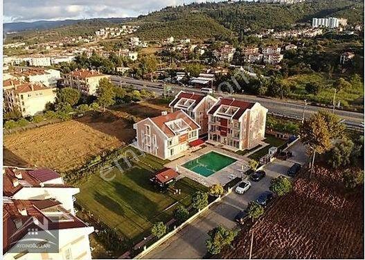 Karamürsel Dereköy de Satılık Dublex Havuzlu Lüx Villalar