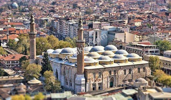 Bursanın en turistik bölgesi olan heykelde 3 yıldızlı otel