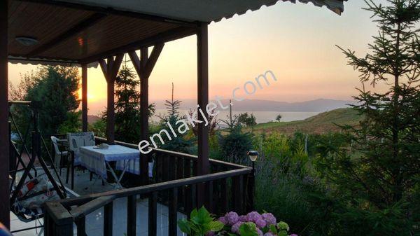 Sahibinden İznik Derbent'te göl manzralı çelik konst ahşap villa