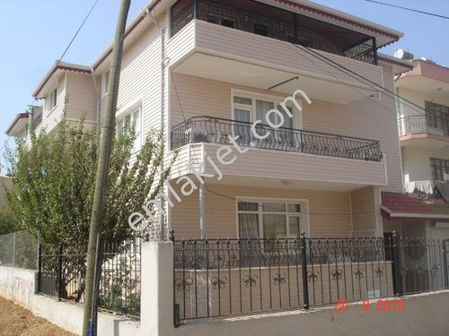 Sahibinden akçaalanda satılık 3 katlı müstakil ev