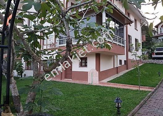 Dolunay Mahallesinde Villa Bölgesinde güzel bir villa