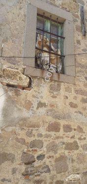 zirve emlaktan satılık tarihi müstakil avlulu taş ev