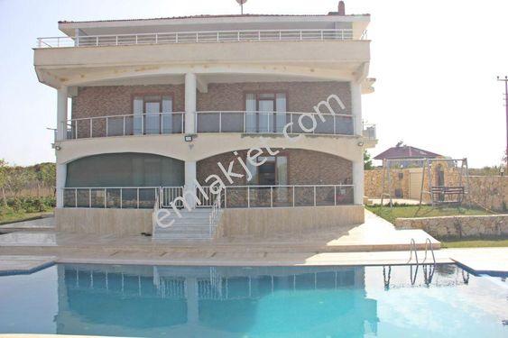 Re/max'tan, Harika manzarasıyla, Havuzlu, Triplex Müstakil Villa