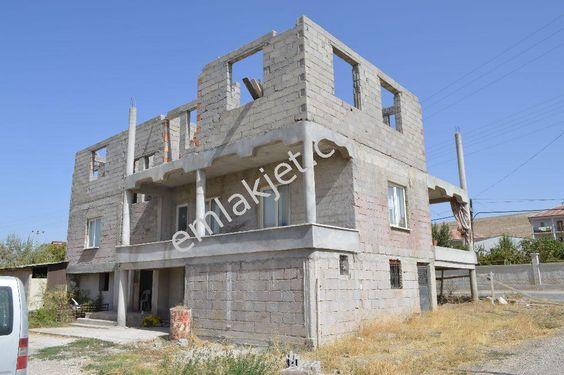 500 Evler Mah. 500 M2 Arsalı Toplamda 3 Daireli Satılık Müstakil