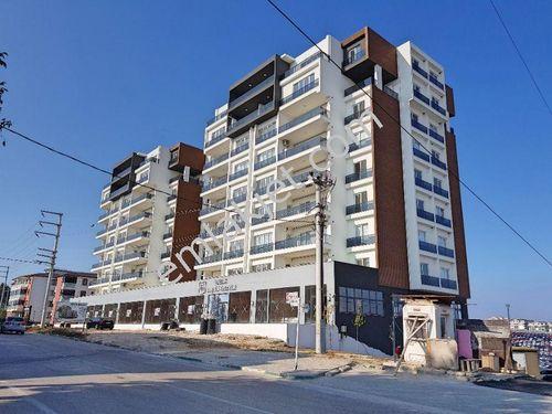 2084- ELFİ den BALAT NETA'DA SATILIK MERKEZİ 266 m² KÖŞE DÜKKAN