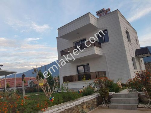Sahibinden Kuşadası'na yakın süper müstakil villa daire fiyatına