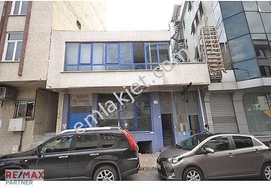 Bağcılar Belediye Karşısı Komple Satılık 3 Katlı Bina