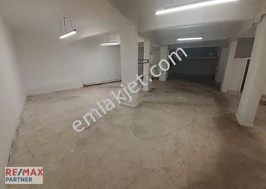 Ali Baysal'dan Fatih'te 482 m2 Kiralık Dükkan