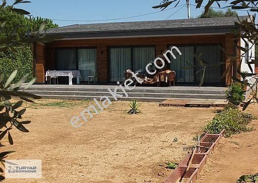 Kemalpaşa Aşağı Kızılca'da Satılık 1280m2 Bahçe içinde 3+1 Villa