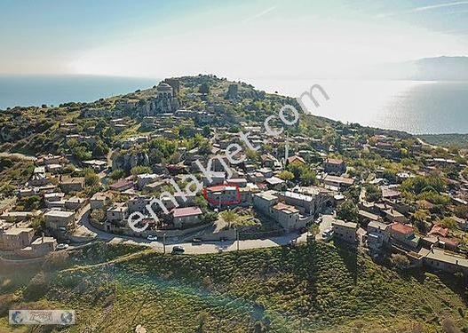 Assos'ta Satılık Komple Eşyalı Müstakil Taş Ev