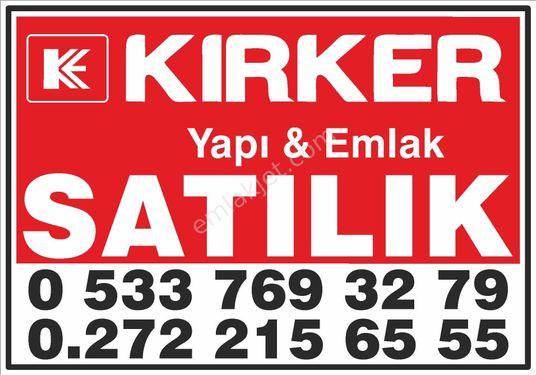 KIRKER EMLAK'tan Kardelen Sitesinde Satılık 4+1 Fırsat Daire!