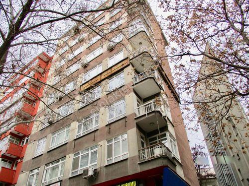Necatibey Cadde Üstü Ön Cephe Asansörlü 90 m2 2+1 Satılık Ofis