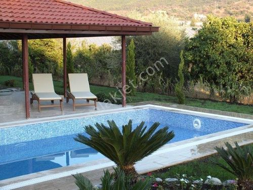 Gazipaşa Villa for SALE in the MİDDLE  of NATURE