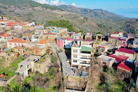 Assos Sazlı Köyü'nde Satılık 4 Katlı 6+2 Ultra Lüks Villa  