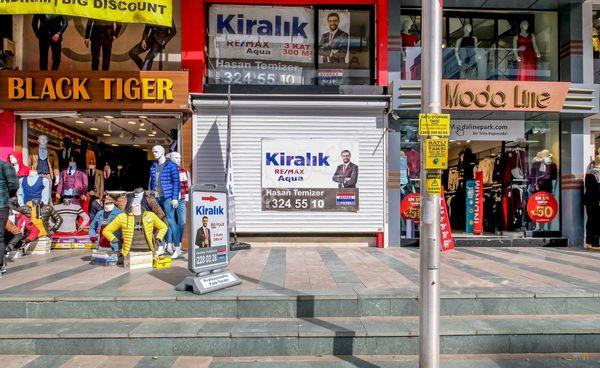 Güllük'te Birinci Sırada 300m² Kiralık Dükkan