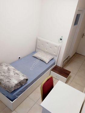 Sahibinden  Bekarlar İçin Tuvalet ve Banyolu Eşyalı Oda..