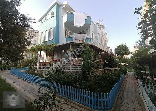 Beren emlak'tan müstakil bahçeli otoparklı triplex 4+1 villa...