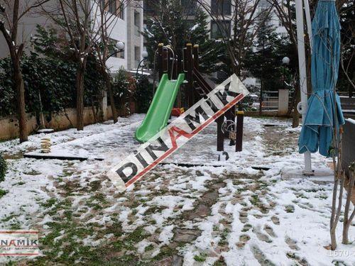 Dinamik'ten Göztepe'de Caddeye Yakın Güvenlik'li Geniş Daire