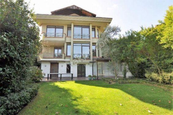 Tarabya Aşçıoğlu Sitesi'nde Gizli ve Özel Bahçeli Villa