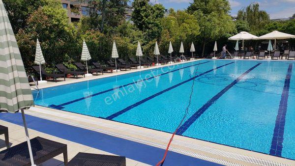 Sitede 185m2 3+1 Ebevynli Garajlı Yüzme Havuz Güvenikli Manzarlı