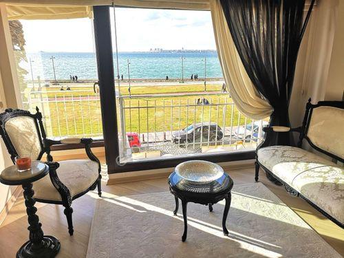 Alsancak Kordon deniz Manzaralı lüks mobilyalı Full Tadilatlı