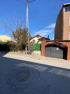 Cadde Cepheli 373 m2 Yatırımlık Villa ve Arsa