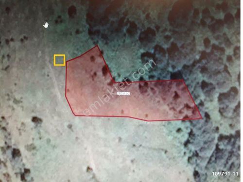 ÜÇKÖYDE SATILIK ANA YOLA 800 mt 2700 m2 ARSA
