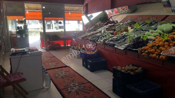 4 yolağzında tam köşebaşı manavmarketbakliyat çerez dükkani