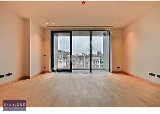 R-ONE Nişantaşı Yeni Projede Balkonlu 120m2 Kiralık Daire-Eng