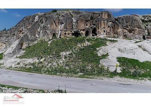 AFYONKARAHİSAR İHSANİYE MAHALLESİNDE SATILIK 3ADET FARKLI PARSEL