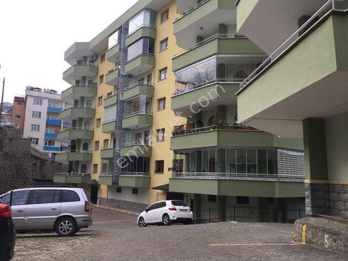 Yeni Cuma Otağ Sitesinde Kiralık 4+1 185 m2 Daire