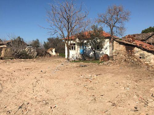 izmir kınık musacalı mah köy evi özel emlaktan satılıktır