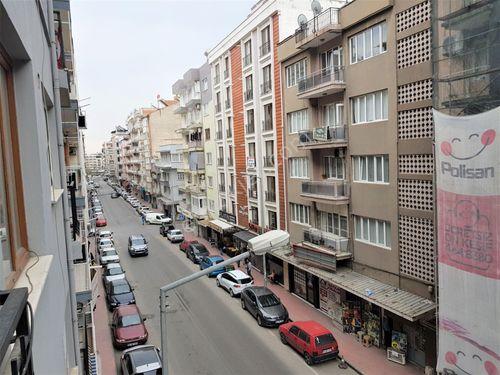 Aydın Bulvarda Kıbrıs Caddesi Üzerinde Satılık Daire