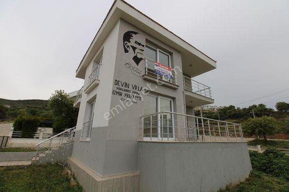Güzelbahçe Yelkide Müstakil 500 M2 Arsa İçerisinde Satılık Villa