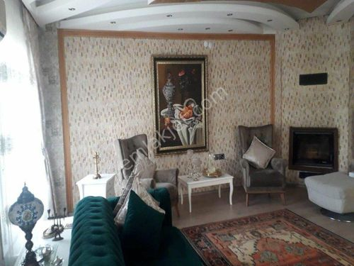 Buca'da  6+1 Bahçeli Satılık Lüks Villa